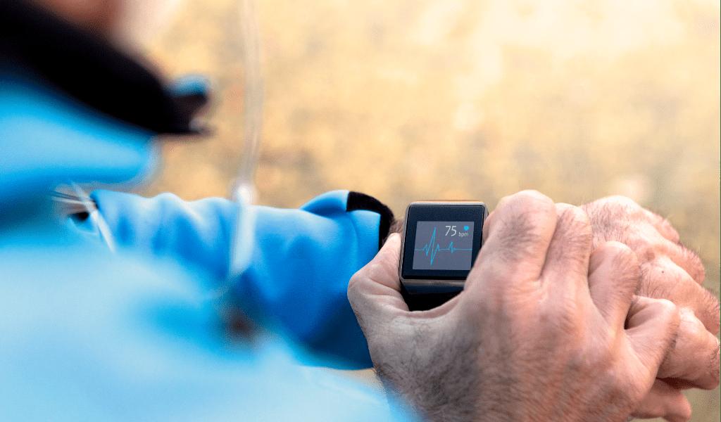 Crescimento de apps/wearables de saúde é esperado no mercado